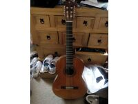 yamaha c40 full size guitar for sale. almost brand new. fully strung