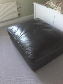 Large leather foot stall