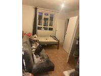 SHOREDITCH/BETHNAL GREEN, E2* DSS WELCOME* NEWLY REFURBISHED 3 BED APARTMENT