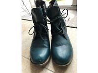 Ladies Boots (Heavenly Feet - Anti Fatigue Footwear) Size 6.5