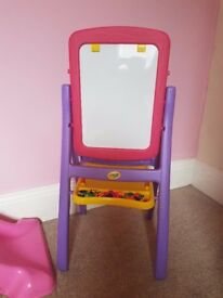 CRAYOLA QWIKFLIP 2 SIDED EASEL PINK/PURPLE