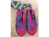 Child beach/surfing shoes size 11