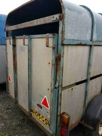 Rice horse and cattle box