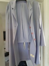 LILAC TROUSER SUIT SIZE 18. WORN ONCE