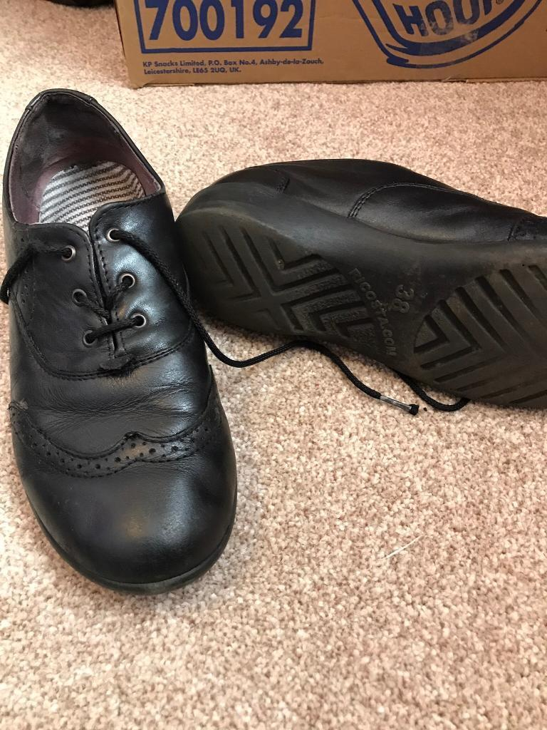 Girls shoes size 5 black leather