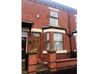 LARGE THREE BEDROOM HOUSE SEYMOUR ROAD SOUTH CLAYTON £600 PCM