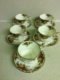 Royal Albert dinner ware.old country roses.