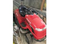 Honda v-twin lawn mower it's like new