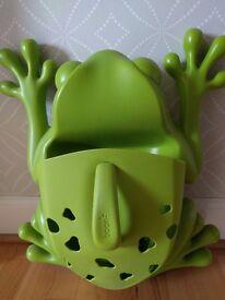 Frog bath toy holder