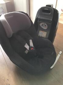 Car seat with ISOFIX base