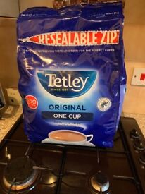 Tetley tea 1100 and sugar 750g