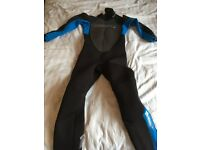 Boys full length wetsuit ( approx age 10)