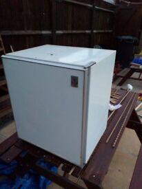 Table top fridge with icebox