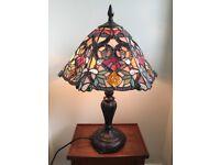 BEAUTIFUL TIFFANY STYLE TABLE LAMP