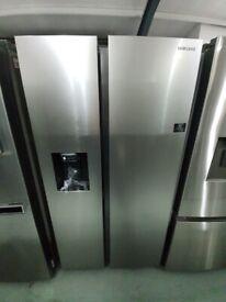 SAMSUNGAmerican-Style Fridge Freezer - Matte Stainless *Ex-Display* (12 Month Warranty)