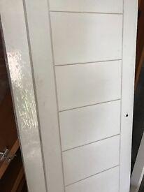 Internal doors white and brown.Total 11, metric
