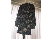 Flower neck dress size 16