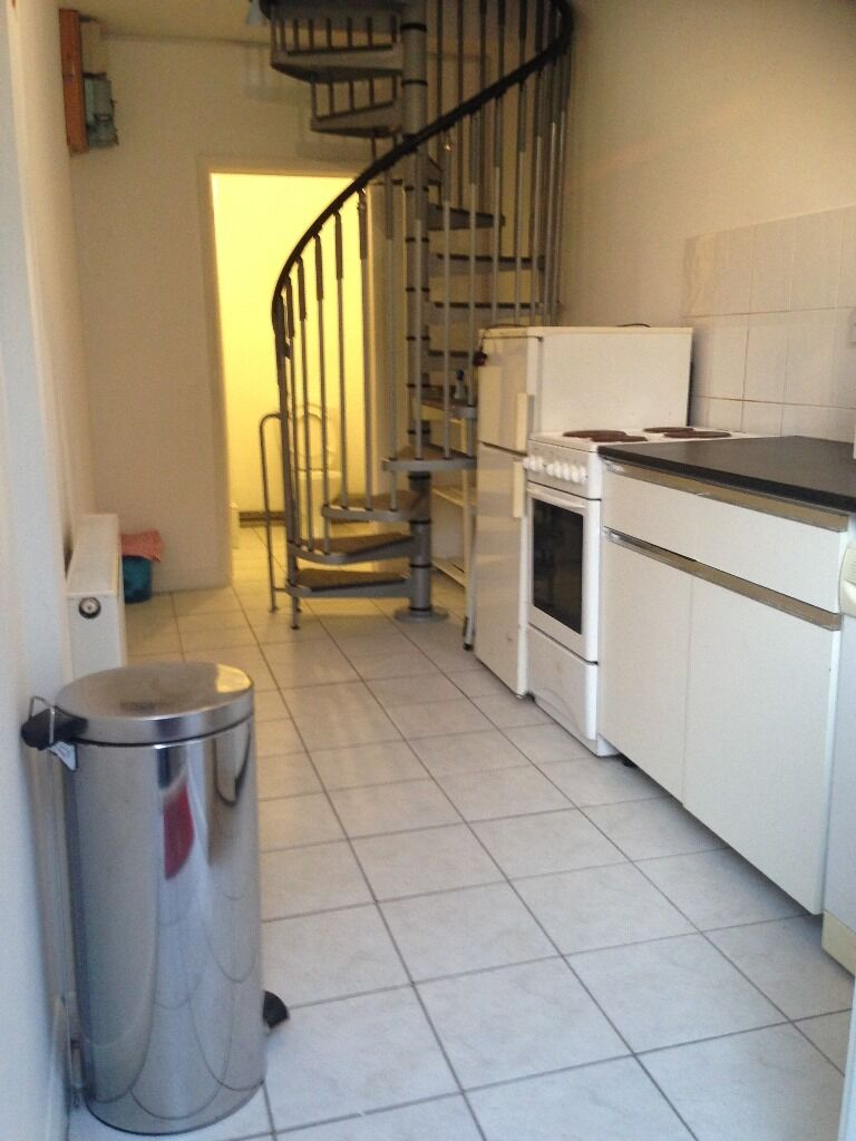 CLEAN MODERN 1 BED FLAT TO RENT IN NEWBURY PARK! FULLY FURNISHED. SOME BILLS INCLUDED!