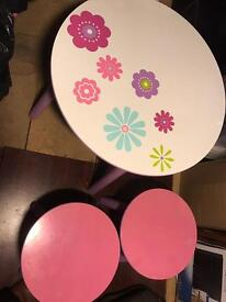 Girls table and stools
