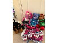 Build a bear collection and accessories ( 3 bears and a dog)