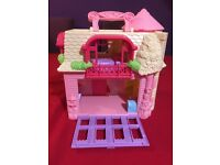 Hello kitty playhouse with accessories