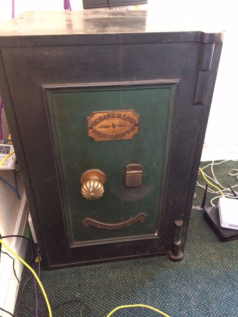 Richard M Lord Wolverhampton Antique Safe With Keys In