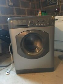 Washing machine in full working order.