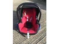 Isofix base and Maxi Cosi Capriofix Car Seat