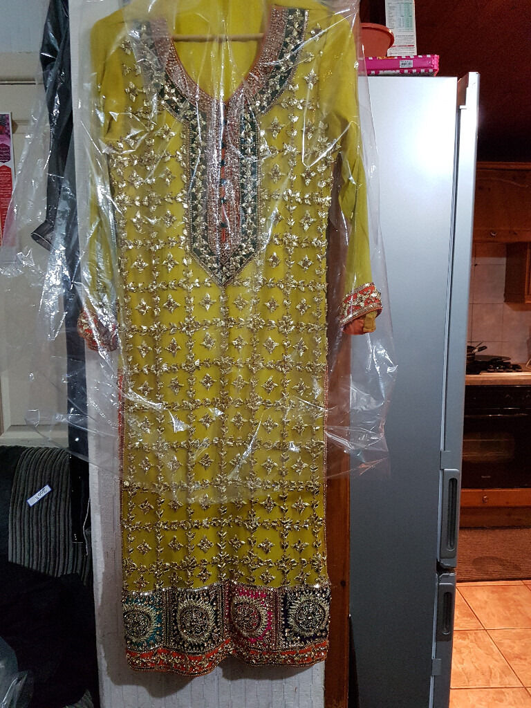 Asian Fancy mehndi bridel Dresses for sell £200 on offer