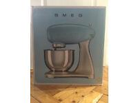 Smeg 50's Retro SMF01SVUK Stand Mixer with 4.8 Litre Bowl - Silver - BRAND NEW