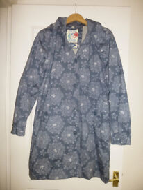 Seasalt Tin Cloth raincoat, hardly worn, excellent condition, size 14, c/w removable hood