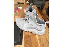 Nike Hurauche Size 10 UK