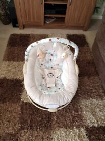Baby chair in amazing condition used hand full of times