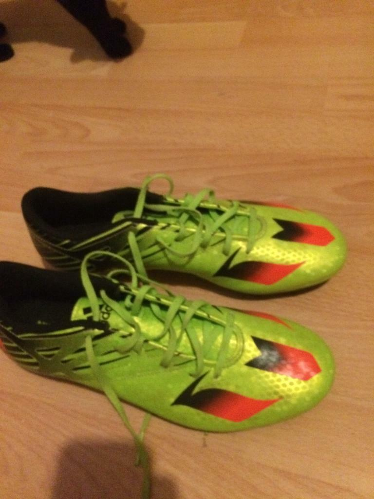 Adidas messi 15.4 football boots with studs