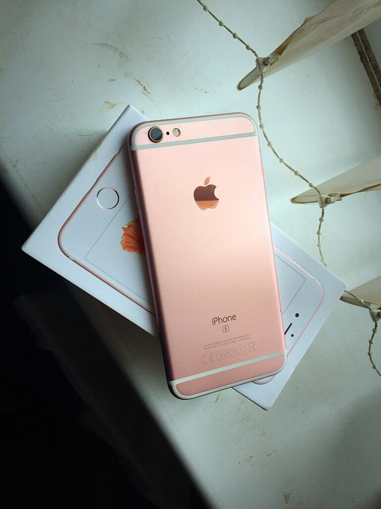 IPhone 6S 16GB Roes Gold, Boxed Up, O2/Giffgaffin Oldham, ManchesterGumtree - IPhone 6S 16GB Roes Gold, Boxed Up, O2/Giffgaff Selling my 6 month old iPhone 6s roes goldComes with a case thats always been on the phone since day oneAlways had a glass screen protector on it since opened, Its in Mint condition overall Been fully...