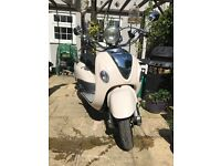 Fantastic retro styled scooter in great condition and hardly used - Lexmoto Valencia