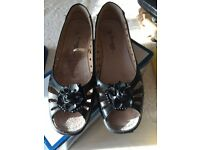 Ladies Shoes Anabelle Lights size 6