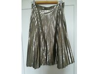 Gap gold pleated skirt worn once. Size US06/UK8-10