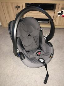 BESAFE baby car seat and isofix base
