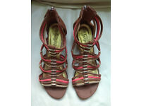New Look Ladies Gladiator Sandal Size 7