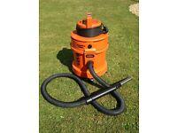 Vax 6131 - Hard Floor/Wet/Dry Cylinder Vacuum