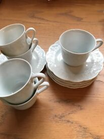 5 lierre sauvage china cups and saucers