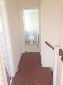 BEAUTIFUL JUST PAINTED 3/4 BEDROOM HOUSE LOCATED IN SOUTHALL £1650 !! HURRY THIS WILL GO