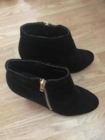 Black size 5 boots