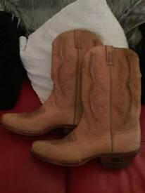 Cowboy boots size 9
