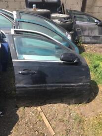 Vauxhall VECTRA 06 drivers door black