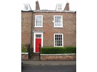 Large Double Room En-Suite Bathroom in Gorgeous Victorian Terrace City Centre Available Immediately