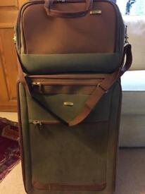 Luggage set x 3
