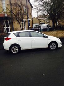Toyota Auris 2013 Hybrid Full Service History 1 Owner from New