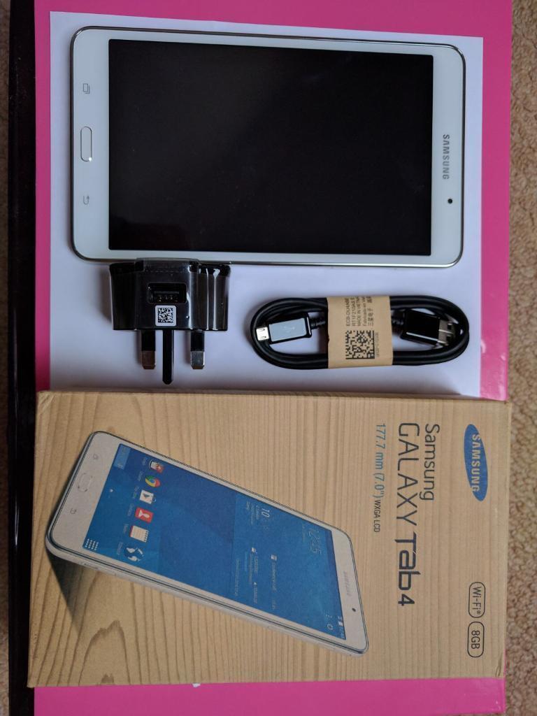 Like new Samsung tablet 4